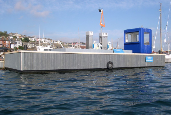 Fuel pontoon